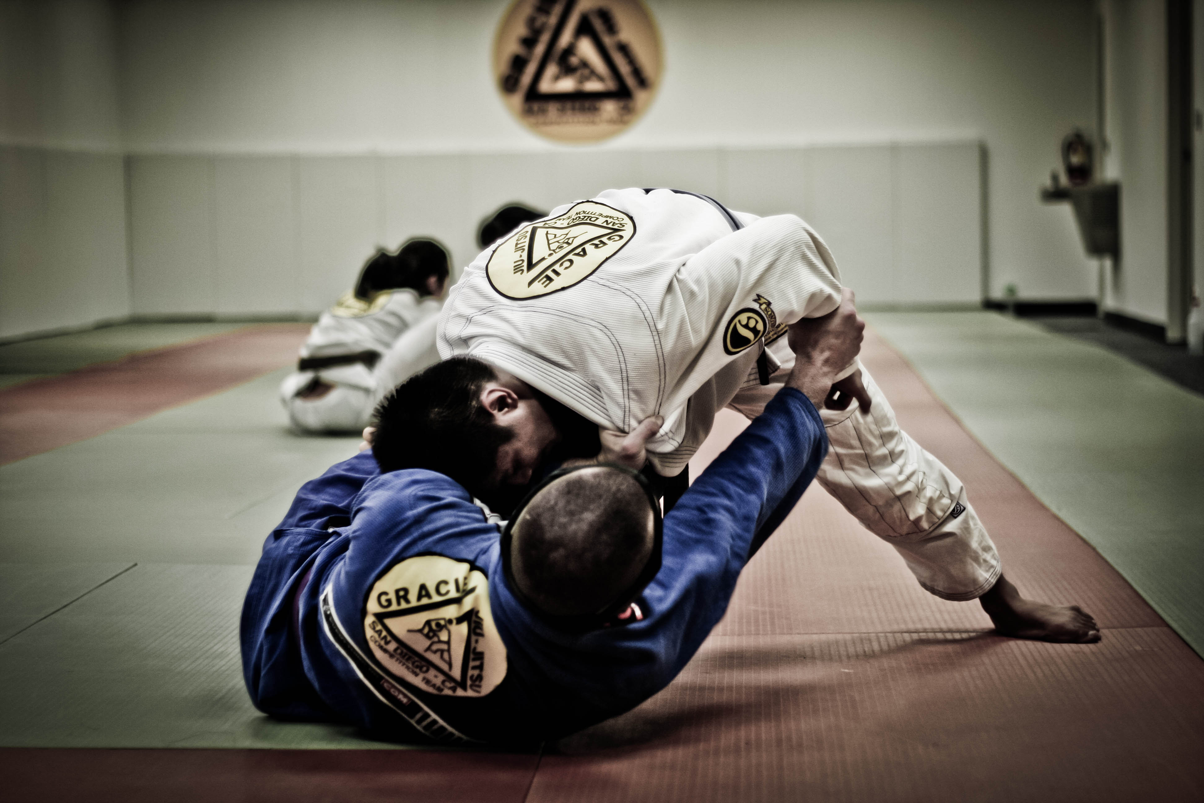 brazilian jiu jitsu Brazilian jiu jitsu black belt techniques [jean jacques machado, kid peligro] on amazoncom free shipping on qualifying offers known for his superior technical.